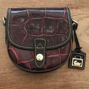 DOONEY & BOURKE crossbody bag in crocodile print